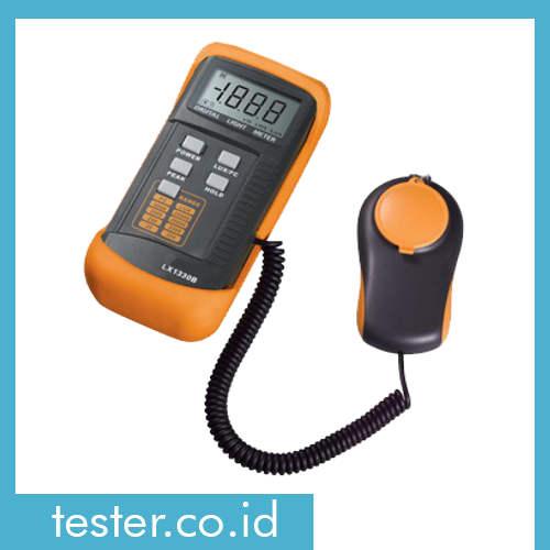 Digital Lux Meter AMTAST LX1330B